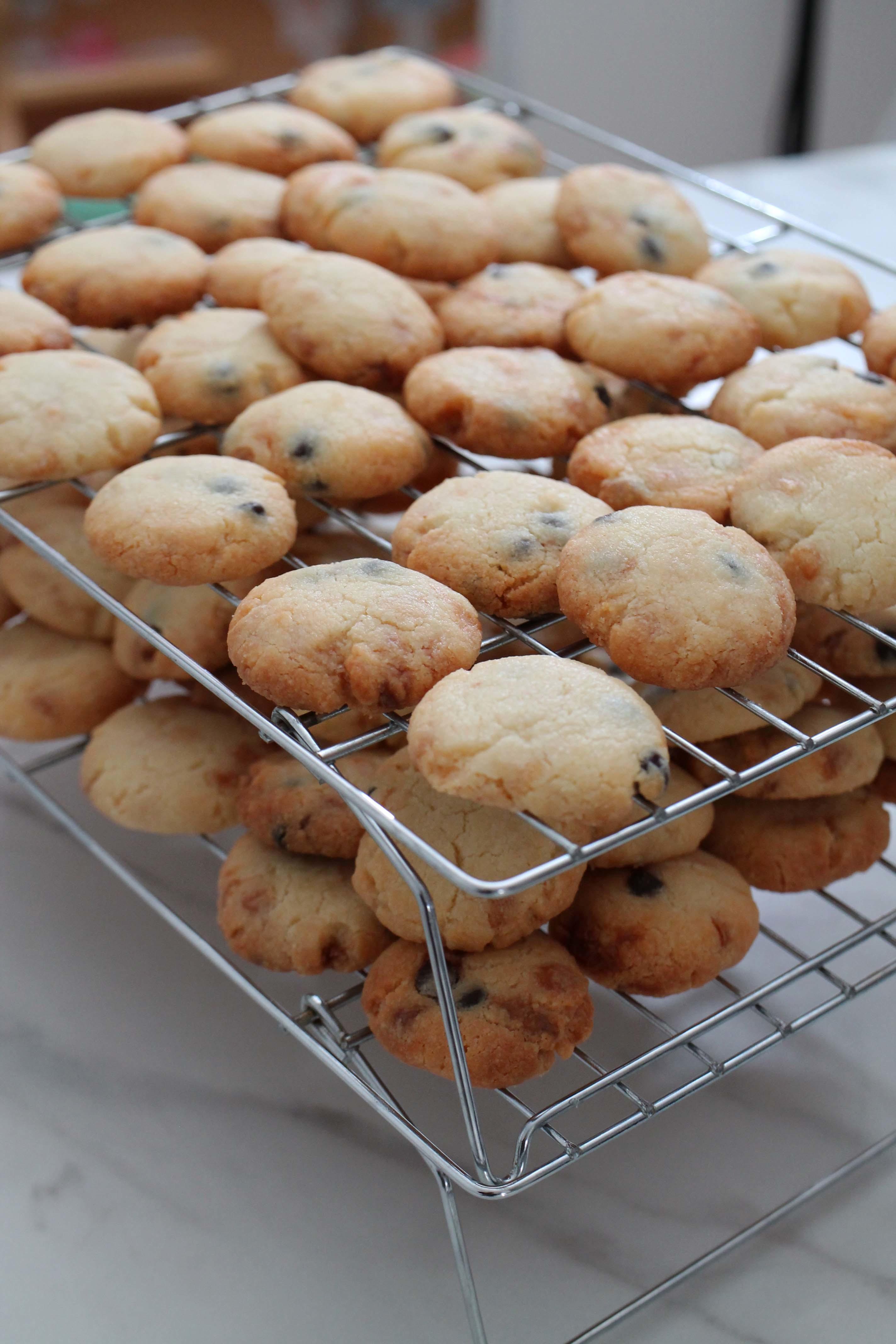 さくさくチョコチップクッキーとおみやげいろいろ_d0377645_22532765.jpg