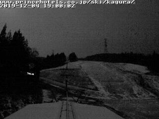 2019年12月4日 夜のかぐらスキー場ライブカメラ みつまたエリアが白くなってきました!_e0037849_20534140.jpg