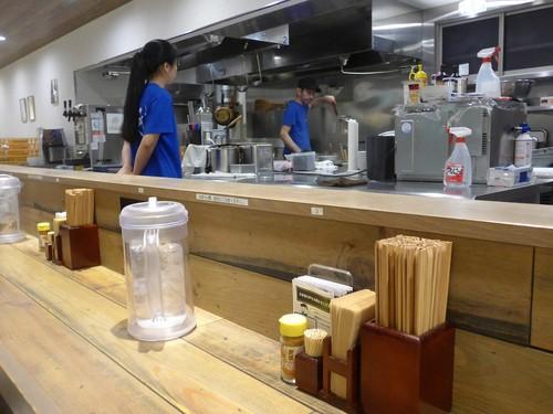 西新宿「麺屋翔 みなと」へ行く。_f0232060_0381173.jpg