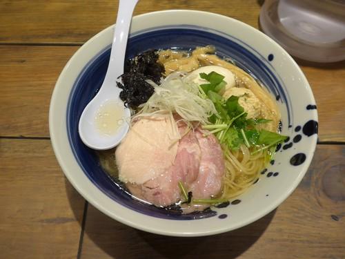 西新宿「麺屋翔 みなと」へ行く。_f0232060_0401463.jpg
