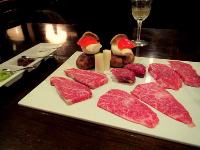 銀婚式のお祝い * 清香園で上等なお肉をいただく♪_f0236260_02133220.jpg