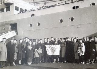 戦後初めての外国人内弟子_f0019563_17300832.jpg