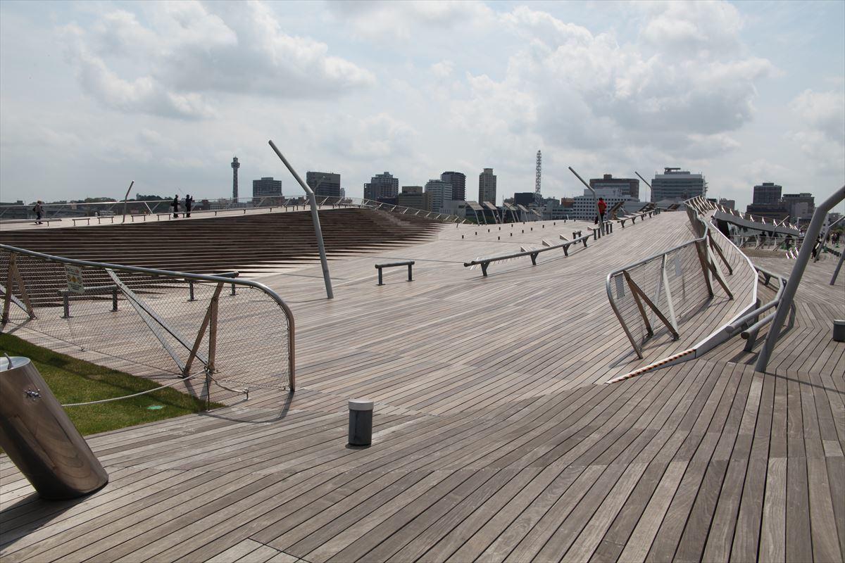 今週6日金曜日のスケッチ会は大桟橋からみなとみらいを描く_f0253789_07132351.jpg
