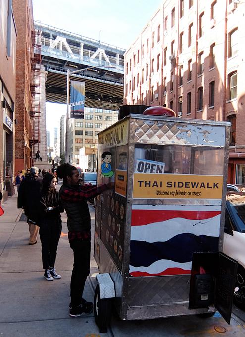 ブルックリンのDumbo地区の街角風景_b0007805_10595923.jpg