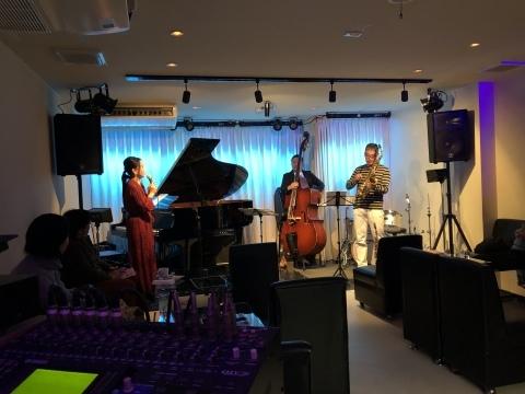 広島 Jazzlive Cominジャズライブカミン  本日12月5日は おやすみです。_b0115606_11381367.jpeg