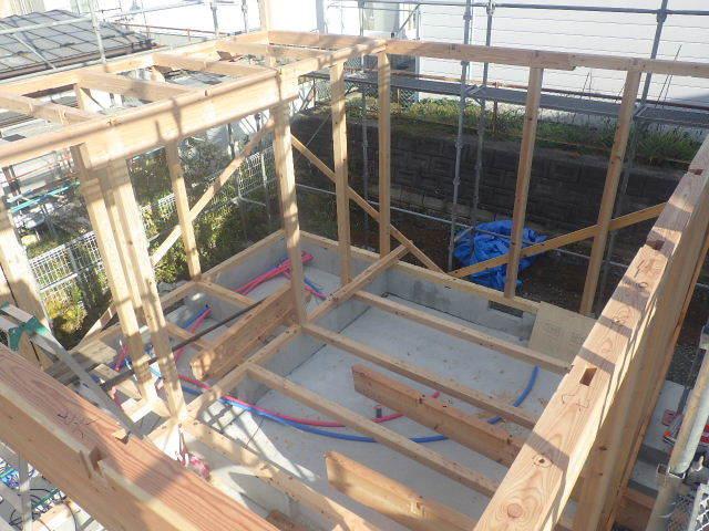 滝沢 穴口の家 建て方作業開始です!_f0105112_04184069.jpg