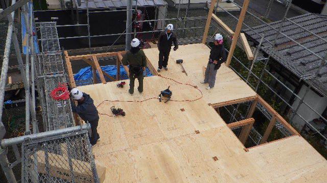 滝沢 穴口の家 建て方作業開始です!_f0105112_04232802.jpg