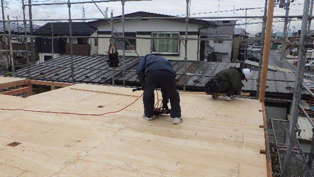 滝沢 穴口の家 建て方作業開始です!_f0105112_04294313.jpg
