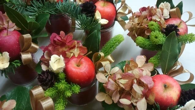 姫りんごのクリスマスミニアレンジ_b0196913_18534996.jpg