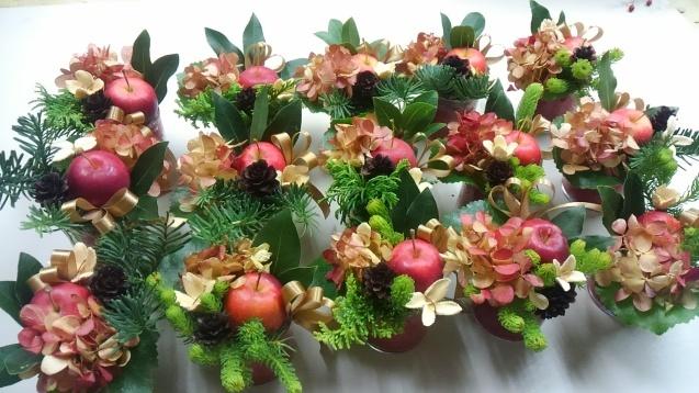 姫りんごのクリスマスミニアレンジ_b0196913_18584722.jpg