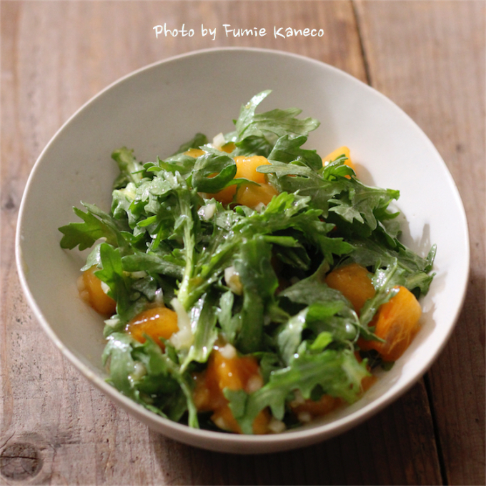 柿と春菊のサラダ_f0235919_13565258.jpg
