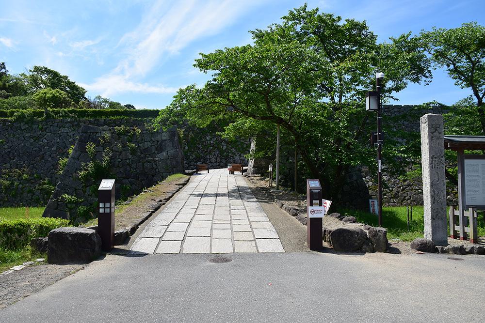 丹波国篠山城跡を歩く。 その1 ~内堀~_e0158128_16110215.jpg