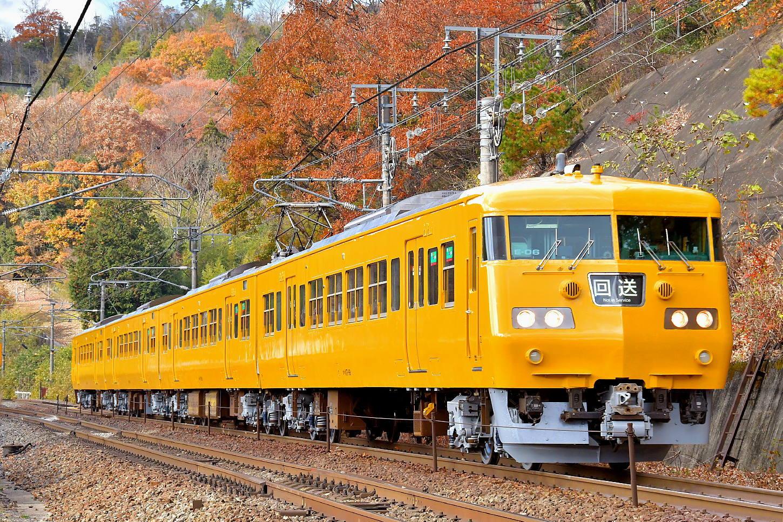 オカ117系E-06検査出場_a0251146_00294509.jpg