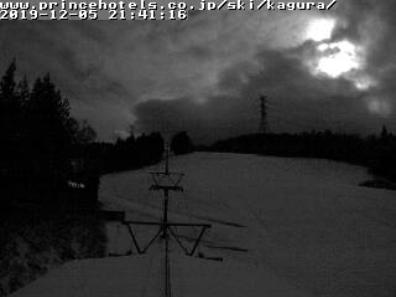 2019年12月5日 雪は降ってくるのか!?夜のかぐらスキー場ライブカメラ_e0037849_21444201.png