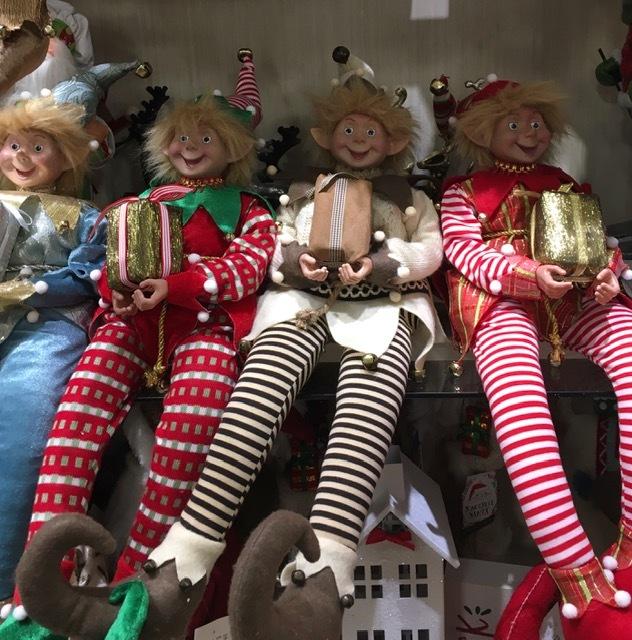 クリスマスの飾り物ーツリースカートなどなど_e0350971_12162904.jpg