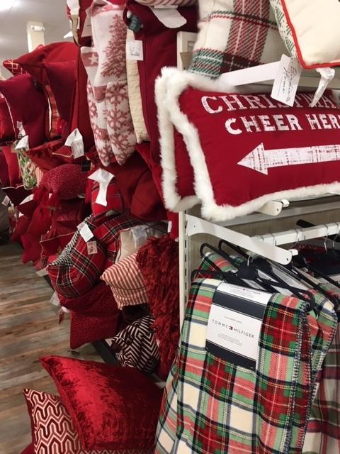 クリスマスの飾り物ーツリースカートなどなど_e0350971_12163803.jpg