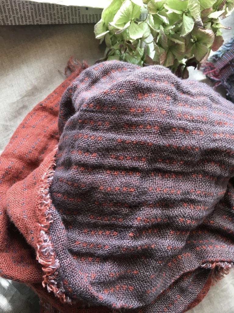 リネンの秋冬ストールとマフラー色々&落ち葉掃き_c0334574_14520990.jpg