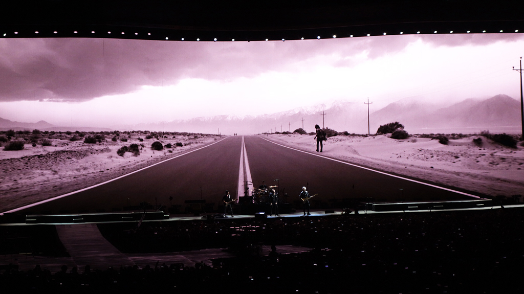 U2  THE JOSHUA TREE TOUR 2019    20191204  at Saitama-Super-Arena_c0005077_23001101.jpg