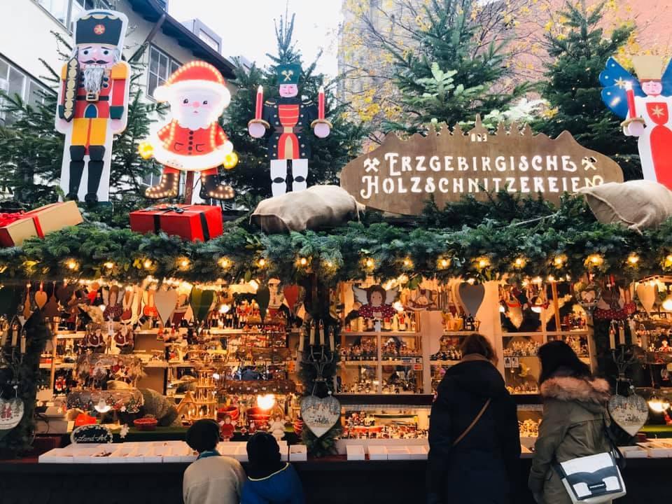 クリスマスマーケット巡りⅥ Stuttgart シュツッツガルト_a0100596_14382615.jpg