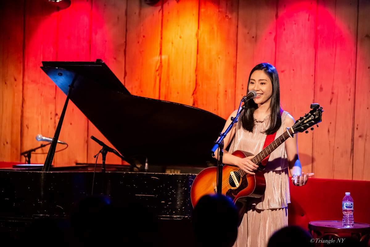 Ka-Na (植村花菜) @Rockwood Music Hall Stage 3 Nov 17 2019_a0274805_01122347.jpg