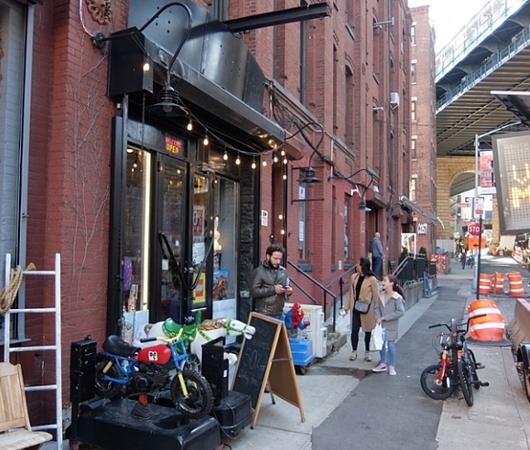 ザ・ショップス・アット 145 フロント・ストリート, ダンボ(The Shops at 145 Front Street, Dumbo)_b0007805_09271476.jpg