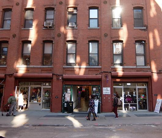 ザ・ショップス・アット 145 フロント・ストリート, ダンボ(The Shops at 145 Front Street, Dumbo)_b0007805_09283253.jpg