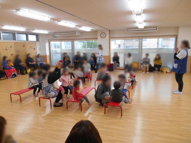 くま組 保育参観と給食懇談会_e0148419_15544954.jpg