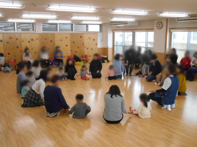 くま組 保育参観と給食懇談会_e0148419_15594453.jpg