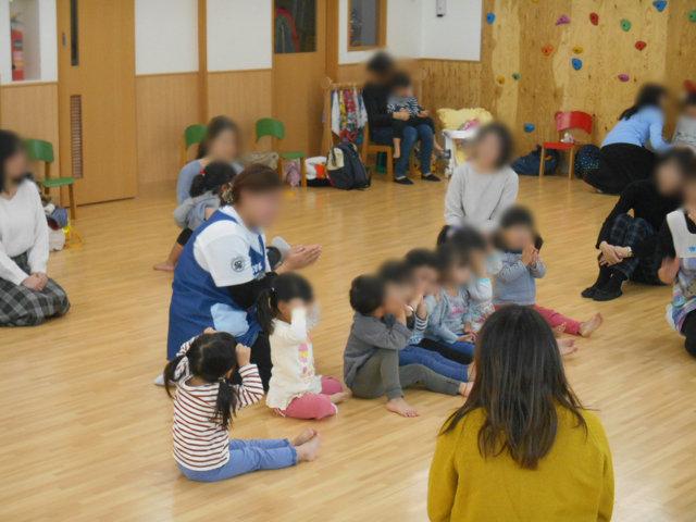 くま組 保育参観と給食懇談会_e0148419_1601888.jpg