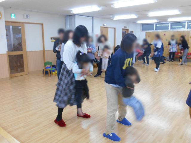 くま組 保育参観と給食懇談会_e0148419_161159.jpg
