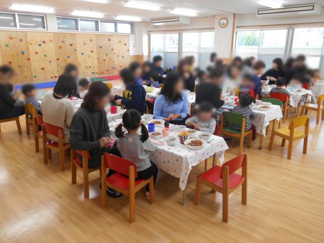 くま組 保育参観と給食懇談会_e0148419_1615683.jpg