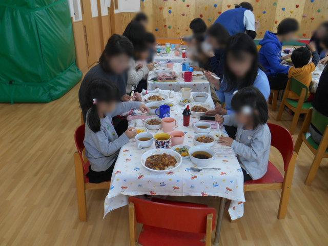 くま組 保育参観と給食懇談会_e0148419_1631480.jpg