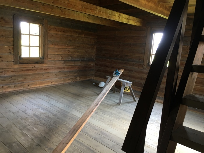 ログハウス、内壁が整いました/ The Interior Walls Are Done At The Log Cabin_e0310424_11102205.jpeg