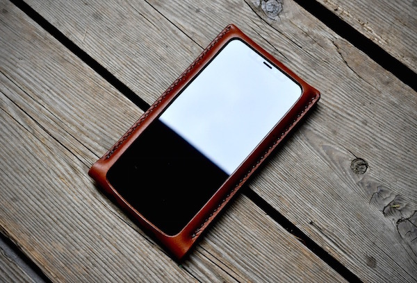 iphone 11 pro leather case_b0172633_21062008.jpg