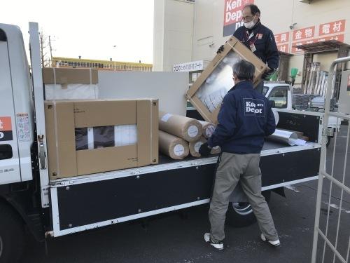 AM6:30出発で大量の搬入とクロスと洗面化粧台_f0031037_20295690.jpg