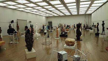 作業日誌(「第73回二紀会展」彫刻部作品搬入展示作業)_c0251346_17411704.jpg