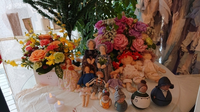 毛塚千代さんの個展♪_f0374160_23434273.jpg