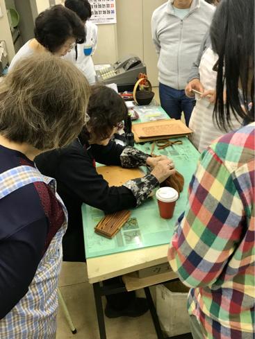 岡田明子さんのシェリダンスタイルカービング講習会(その2)_a0228364_18060486.jpg