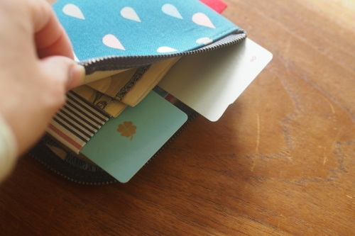 2019 gift setはサイズが選べる「wallet 」&「 sacoche」_e0243765_11075056.jpg