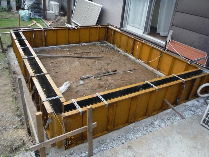 6畳間増築 ~ 基礎コンクリート打。_d0165368_04263650.jpg