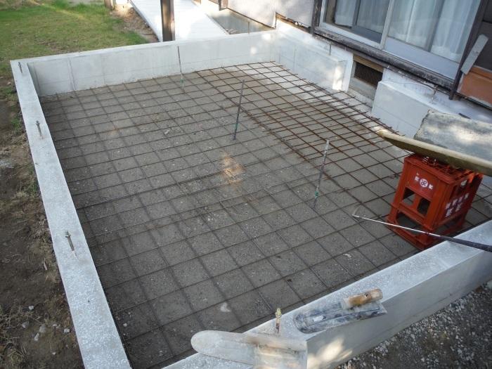 6畳間増築 ~ 基礎コンクリート打。_d0165368_04271614.jpg