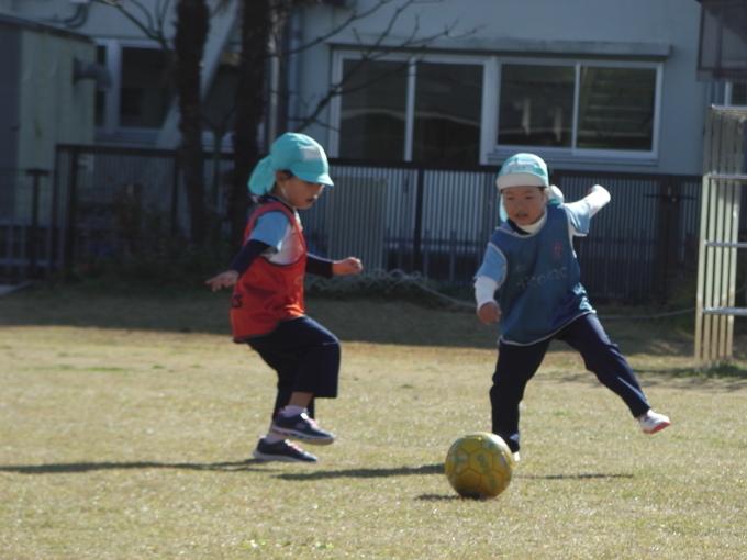 サッカーってどんな事するのかな?_f0195982_17292827.jpg