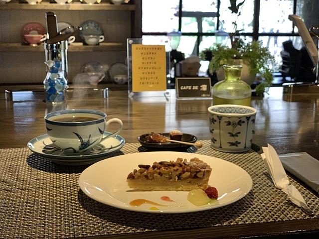 [富士]CAFE DE 凛(カフェ デ リン):隠れ家のような古民家の大人カフェ_d0144092_18424759.jpg