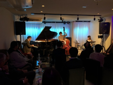 広島 ジャズライブカミン  Jazzlive Comin 本日土曜日のライブ_b0115606_12271580.jpeg