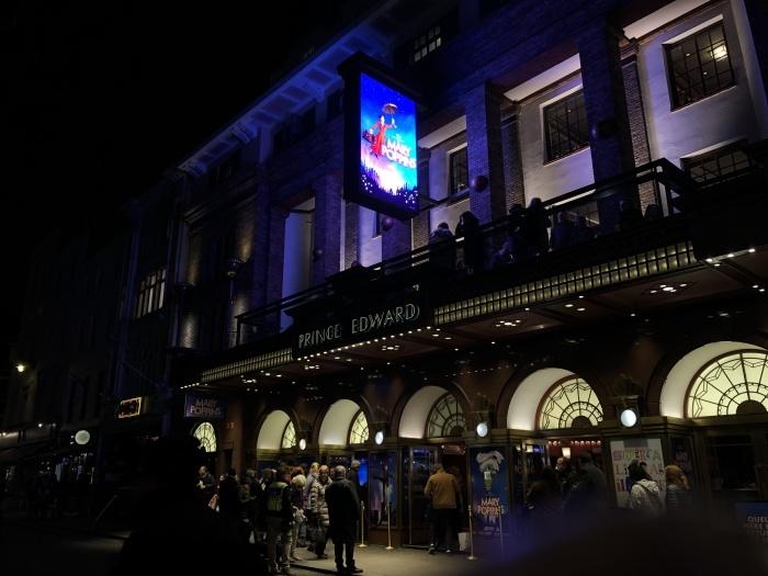ミュージカル「メアリーポピンズ」@Prince Edward Theatre_a0169924_18033216.jpeg