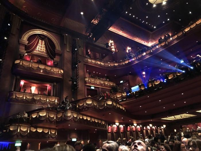 ミュージカル「メアリーポピンズ」@Prince Edward Theatre_a0169924_18045739.jpeg
