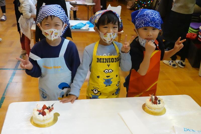 家族登園 クリスマスケーキ作り_a0212624_12515181.jpg