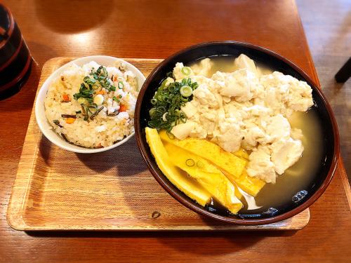 沖縄そば ゆい美浜店_e0292546_02095349.jpg