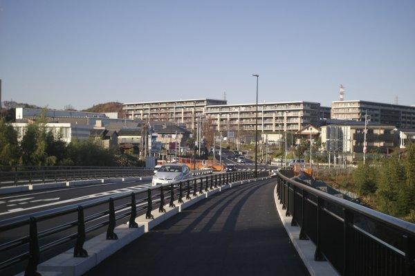 若葉台から新百合ヶ丘のトンネル道路が開通 X-E2 Summaron35mm/3.5_e0129750_10054815.jpg