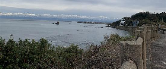 今日の雨晴海岸_c0327752_16304696.jpg
